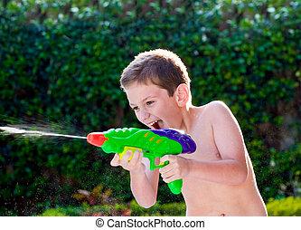 água, criança, backyard., tocando, brinquedos