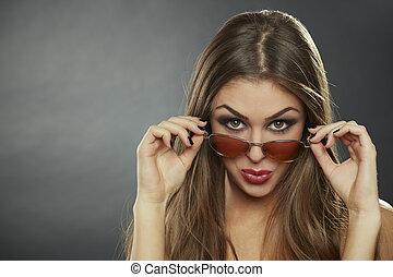 óculos de sol, flirtatious, mulher, desgastar