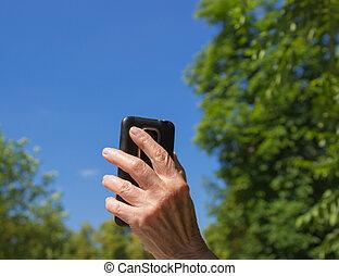 antigas, céu, mão, mulher, telefone, experiência azul