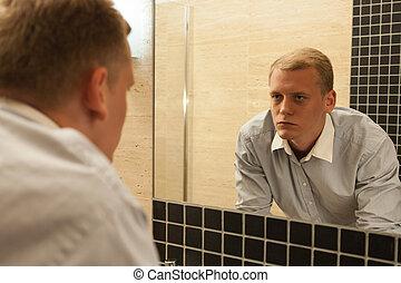 banheiro, ressaca, homem