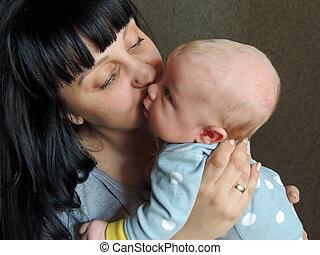 bebê, closeup, braços, dela, mãe