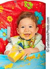 bebê come, puree, feliz