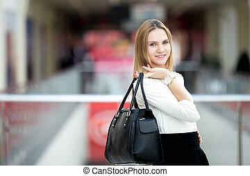 bolsa, segurando, modelo, jovem, femininas, elegante, equipamento