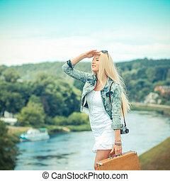 bonito, urbano, paisagem., vindima, hipster, mala, retrato, loiro, menina