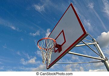 céu azul, aro, basquetebol, nuvens