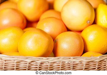 cima, laranjas