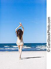 cima., praia, andar, dela, jovem, segurar passa, menina