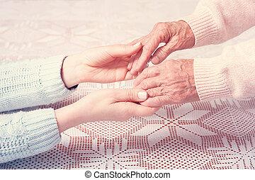closeup, segurar passa, lar, elderly., cuidado