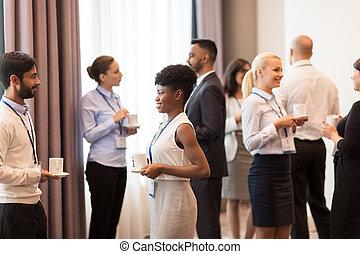 conferência, pessoas negócio, emblemas, café