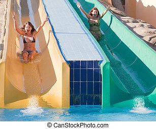 corrediça água, meninas, piscina, natação
