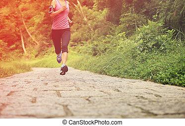 corredor, floresta, atleta, executando