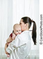 criança, braços, dela, mãe
