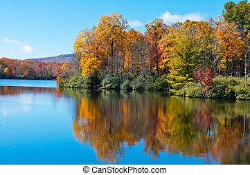 cume azul, preço, refletido, superfície, lago, foliage, outono, parkway