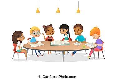 discuta, livros, falando, cada, escola, vetorial, advertisement., redondo, crianças, ao redor, ilustração, tabela, sentando, outro, caricatura, library., meninas, bandeira, eles., cartaz, estudar, meninos, leitura