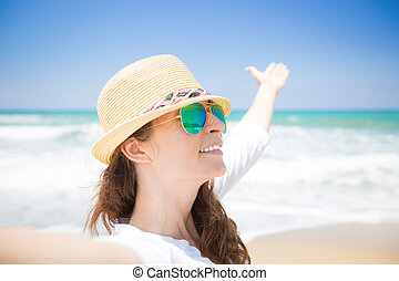 duração desfrutando, mulher, praia, feliz
