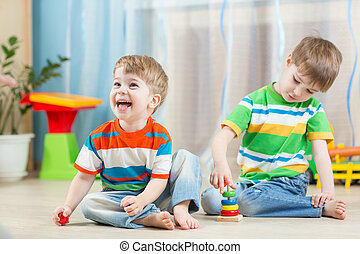 engraçado, jogo, indoor, crianças, brinquedos