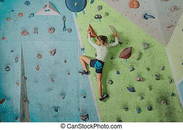 escalando, pequeno, ginásio, menina