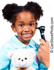 exame, fundo, pequeno, pelúcia, menina, urso, segurando, sorrindo, isolado, médico, branca, assistindo