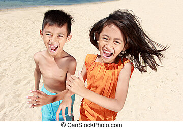 executando, crianças, praia