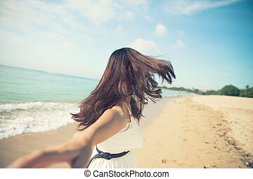 executando, mulher, praia