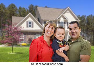 família, casa, jovem, raça misturada, frente