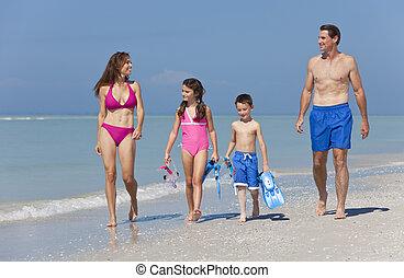 família, crianças pai, mãe, divertimento, praia, tendo