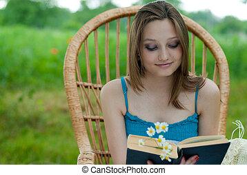 feliz, cadeira, mulher, jardim, jovem