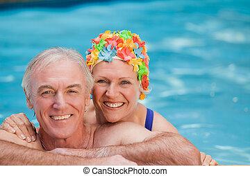 feliz, natação, par, maduras