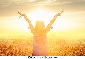 feliz, pôr do sol, wheat., menina, trigo, ficar, dourado, campo, mulher