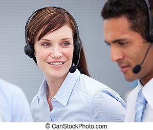femininas, agente, hercolleague, cliente, close-up, serviço