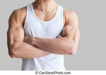 ficar, mantendo, body., saudável, imagem, braços, recortado, isolado, cinzento, enquanto, cruzado, muscular, fundo, homem forte