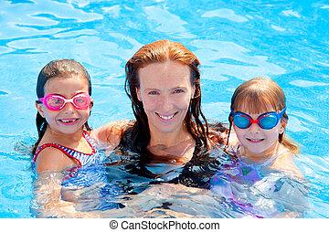 filhas, piscina, família, mãe