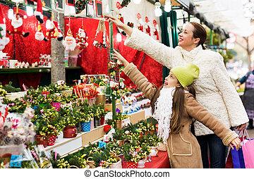 floral, filha, composição, pequeno, mulher, feliz, comprando