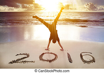 handstand, jovem, 2016., ano, homem novo, praia, feliz