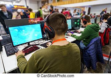 jogo, profissional, gamers, costas, tocando, vista, mmorpg