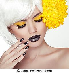 lipstick., haircut., menina mulher, shortinho, pregos, cima, makeup., manicure., cabelos formam, pretas, loura, retrato, trendy, polaco, modelo, fazer, estilo