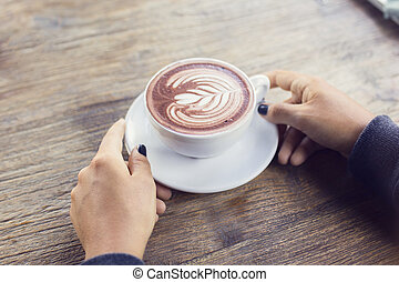 menina, xícara café