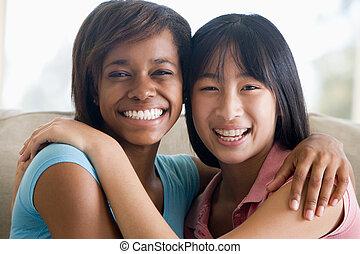 meninas adolescentes, dois, sorrindo