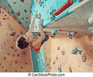 menino, ginásio, escalando