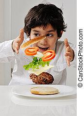 menino, pequeno, mãos, hamburger, ingredientes