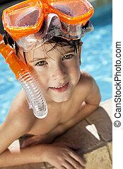 menino, snorkel, óculos proteção, feliz, piscina, natação