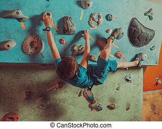menino, treinamento, ginásio, escalando