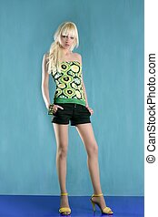 moda, comprimento, cheio, verde, levantar, fundo, loiro, menina