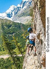 montanhas altas, crianças, escalando