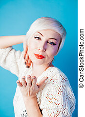 mulher bonita, retrato, cabelo, loiro, shortinho, moda