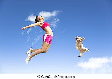 mulher, céu, jovem, pular, cão