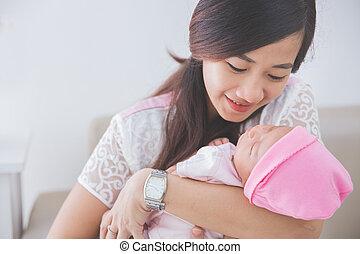 mulher, dela, cima, menina, prendendo bebê, fim