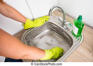 mulher, pia, cozinha, limpeza