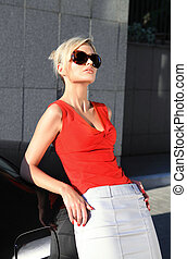 mulher preta, moda, óculos de sol, loiro