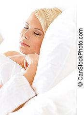 mulher, sonolento, cima, cama, fim, vista
